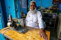 Kleermaker op de markt van Jaffna